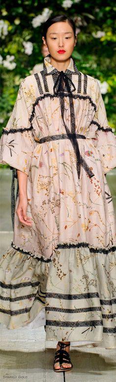 Laura Biagiotti Spring Summer 2016 Ready-To-Wear Dress Skirt, Wrap Dress, Runway Fashion, Womens Fashion, Fashion 2016, Laura Biagiotti, Hijab Outfit, Spring Summer 2016, Dress Me Up