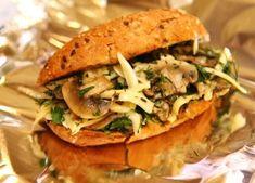 Бутерброд с грибами и сыром