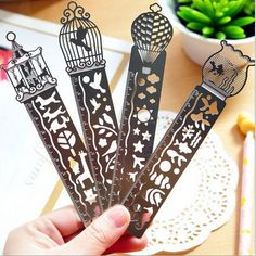 4 Pcs/lot New Style School Office Carton Drawing Rulers School Line For Students Cute Metal Spirograph Ruler