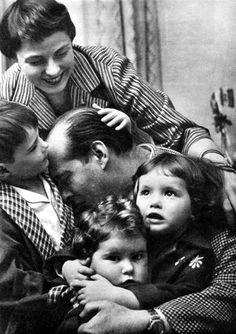 Ingrid Bergman & Roberto Rossellini with their children •