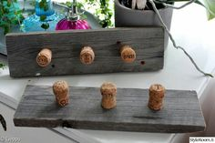 Cork Crafts, Diy And Crafts, Reuse, Upcycle, Diy Furniture, Easy Diy, Recycling, Projects To Try, Woodworking
