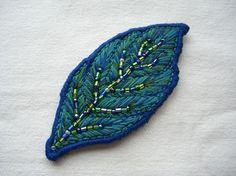 葉っぱのバレッタ、ピン、ブローチ