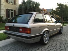 BMW E30 Touring with M3 Lightweight Forged Alloys and Sunroof