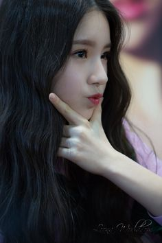 LOONA Heejin K Beauty, Asian Beauty, First Girl, My Girl, Pop Group, Girl Group, Month Animals, Eye Circles, Olivia Hye