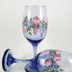 Wine Glasses Lavender Pink Rose Hand Painted by PaintingByElaine by carlani Blue Wine Glasses, Hand Painted Wine Glasses, Alcohol Ink Glass, Altered Bottles, Paint Set, Colored Glass, Glass Art, Donna Dewberry, Pink Roses