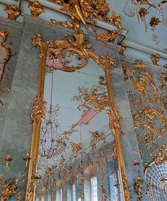 Gold Aesthetic, Classy Aesthetic, Aesthetic Vintage, Baroque Architecture, Beautiful Architecture, Aesthetic Backgrounds, Aesthetic Wallpapers, Picture Wall, Photo Wall