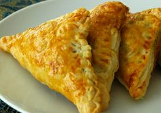 #Bread #Samosa is #crunchy and can be prepared as an #evening #snack. http://www.foodfood.com/recipes/bread-samosa/