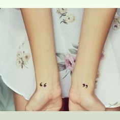 "173 curtidas, 10 comentários - ""Be inspired...."" (@tiny_tasteful_tattoos) no Instagram: ""♡ #tattoo #tattoos #ink #inked #tattooinspiration #tattooideas #smalltattoo #cutetattoos…"""