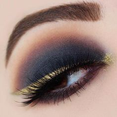 @rachelkarinabeauty perfection 🖤✨👏🏻 tagged by @makeupbyymelanie #undiscovered_muas TTM