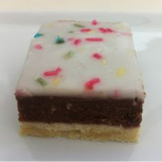 Look what I shall make tomorrow :D Danish Cake, Danish Food, Cake Cookies, Cupcake Cakes, Baking Recipes, Cake Recipes, Scandinavian Food, Big Cakes, Cookie Desserts
