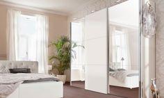 Armario Amsterdam Armario de 3 puertas correderas, realizado en melamina y espejo con perfil de aluminio, incluye barra de colgar y balda. Medida: 300 x 236cm > http://www.mymobel.com/muebles-auxiliares-y-complementos-p890/armario-amsterdam