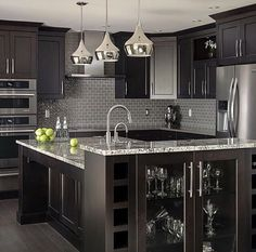Uplifting Kitchen Remodeling Choosing Your New Kitchen Cabinets Ideas. Delightful Kitchen Remodeling Choosing Your New Kitchen Cabinets Ideas. Black Kitchen Cabinets, Black Kitchens, Luxury Kitchens, Home Kitchens, Kitchen Black, Kitchen Backsplash, Kitchen Countertops, Backsplash Ideas, Grey Cabinets