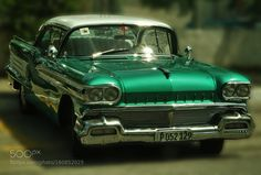 Cuban cars: Green Oldsmobile by WinfriedvonEsmarch