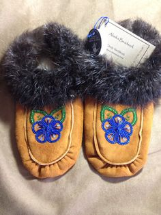 Women's Handmade Sippers with Blue Flower and Beaver Fur Trim by Alaska Beadwork. Tlingit, Native American Beading, Fur Trim, Blue Flowers, Beadwork, Moccasins, Alaska, Beads, Sewing