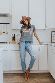 Casual fall outfit, spring outfit, summer, style, outfit ins Look Fashion, Autumn Fashion, Womens Fashion, High Fashion, Jeans Fashion, Modest Fashion, Spring Fashion, Fashion Outfits, Looks Style