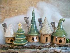 Maisons de jardin féerique - choisir votre lot de 3 - maisons ou arbre - la main sur la roue de potiers - maisons de production - Ready Soon - fabriqués sur commande