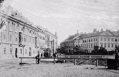 Pohľad od Vydrice na Rybné námestie/vpravo/ Bratislava, Soho, Louvre, Street View, Building, Travel, Times, Viajes, Buildings