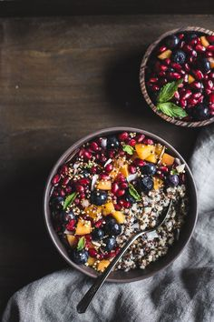 Coconut Quinoa Porridge with Berries and Quinoa Crunch Topping I A vegan and gluten-free breakfast porridge made with coconut milk and quinoa.