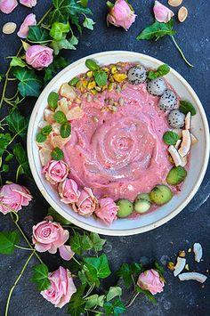 Raspberry and Strawberry Smoothie Bowls   Thrive Magazine