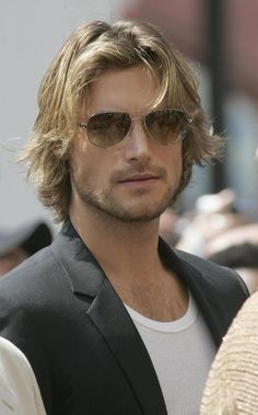 Gabriel Aubry Hair - Martha Home Gabriel Aubry, Fine Hair Men, Hair Men Style, Canadian Models, Boy Hairstyles, Celebrity Hairstyles, Haircuts For Men, Medium Hair Styles, Mens Long Hair Styles