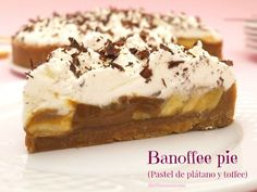Banoffee pie (banana and toffee cake) - England Sweet Meals Pudding Au Caramel, Figgy Pudding, Sticky Toffee Pudding, Banoffee Pie, Fruit Fool, Toffee Cake, Queen Cakes, French Cake, Pastries