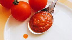 Zo maak je zelf verse tomatensaus Ketchup, Gluten Free Recipes, Pasta, Good Food, Baking, Vegetables, Dressings, Butter, Bakken