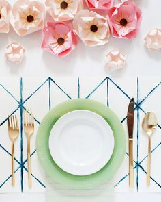 DIY Shibori-Inspired Watercolor Placemats / Oh So Beautiful Paper