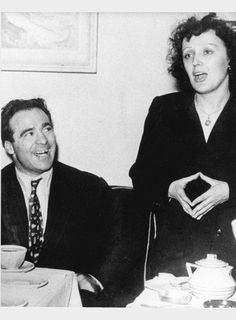 edith piaf marcel cerdan Although married with three children, he had an affair with the famous singer Édith Piaf. The affair lasted from summer 1948 until his death in autumn 1949. They were very devoted to each other and Piaf wrote one of her most famous songs, Hymne à l'amour, for Cerdan.