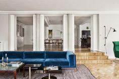 Wohnzimmer Idee: Blaues Sofa weiße Wände *** A blue sofa & white walls