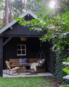 Garden Office, Outdoor Furniture Sets, Outdoor Decor, Cabins In The Woods, Home Reno, Dream Garden, Go Outside, Tiny House, The Good Place