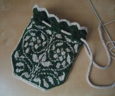 Ravelry: Sweetheart Bag pattern by Donna Kay