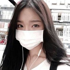 Image about white in 𝖋𝖊𝖒𝖒𝖊 𝖋𝖆𝖙𝖆𝖑𝖊 by 𝔂𝓮𝓷 on We Heart It Stylish Girls Photos, Girl Photos, Korean Couple Photoshoot, Korean Girl Photo, Korean Beauty Girls, Mask Girl, Ulzzang Korean Girl, Uzzlang Girl, Cute Girl Face