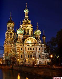 "Biserica ""Spas na Krovi"" - St. Petersburg   Biserici noaptea - PxlShot.ro"