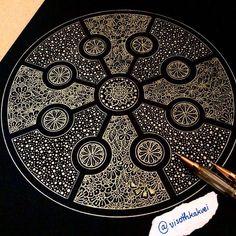 Gold doodle/Unusual shape/Doodle inspiration/Artist: visothkakvei