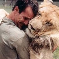 HE IS NOT THE SAME Kevin Richardson from New Kids On The Block!!!!  Kevin Richardson: Save the lions - Kevin Richardson, PAW Conservation Trust
