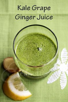 Great for beginners to juicing: Kale Grape Ginger Juice © Jeanette's Healthy Living #SummerFest #recipe