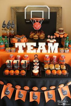 Basketball Party Idea: March Maddness Themed Food & Mini Basketball Party Favors - Fitness and Exercises, Outdoor Sport and Winter Sport Mini Basketball, Basketball Party Favors, Basketball Baby Shower, Basketball Birthday Parties, 2nd Birthday Parties, Boy Birthday, College Basketball, Basketball Cupcakes, Basketball Shoes