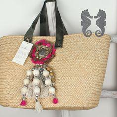 Capazos Agua Dulce Straw Beach Tote, Straw Bag, Beach Bags, Boho Chic, Boot Bling, Moda Boho, Decorated Shoes, Boho Bags, Basket Bag