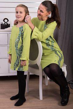 Zelená maľovaná tunika pre malú dámu #detskamoda#jedinecnesaty#handmade#originalne#slovakia#slovenskydizajn#móda#šaty#original#fashion#dress#modre#ornamental#stripe#dresses#vyrobenenaslovensku#children#fashion#rucnemalovane Malu, High Neck Dress, Dresses With Sleeves, Long Sleeve, Fashion, Tunics, Turtleneck Dress, Moda, Gowns With Sleeves
