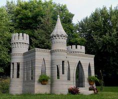 3D-printed concrete castle, made using a custom printer.