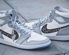Zapatos Air Jordan, Air Jordan Shoes, Jordan Shoes For Men, Michael Jordan Shoes, Sneakers Fashion, Sneakers Nike, Dior Sneakers, White Sneakers, Retro Sneakers