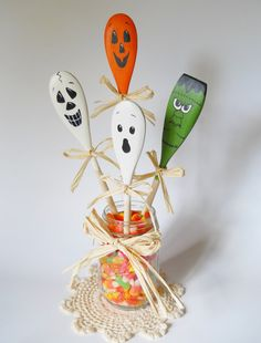 This delightful set of 4 wooden spoons have been hand painted with various faces of Halloween. Included is a ghost, pumpkin, skull and monster. You can easily tie on coordinating ribbon or rafia bows (not included) for a festive look.  Display them in a jar, utensil holder, decorative vase or c...