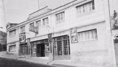 *1940's.- Façana del Cine Iberia  durant els primers anys de la postguerra. (Foto : Josep Maria Sagarra i Plana/ANC ) .      Cinema...