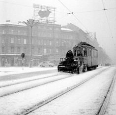 Snowplow attached to a tram during the harsh winter of Budapest : HistoryPorn Snow Plow, Budapest Hungary, Vietnam War, Vintage Photography, Arch, Europe, Explore, History, World