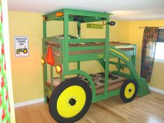 john deere bed ! the redneck in me LOVES IT !!