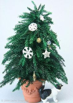 Make Glittered Snowflake Tree Ornaments from Stickers: Make Easy  Snowflake Ornaments for Miniature Trees