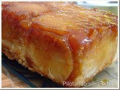 Essa receita de bolo de abacaxi é fantástica! Bolo macio, não muito doce e com abacaxi que é tudo de bom.