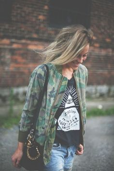 40 stylish outfit ideas with bomber jacket Looks Style, Style Me, Moda Fashion, Womens Fashion, Vetements Clothing, Jean Vintage, Looks Jeans, Mein Style, Street Style
