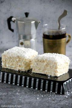 Ciasto Raffaello - radoscjedzenia.com Krispie Treats, Rice Krispies, Polish Recipes, Polish Food, Sweets, Dessert, Deserts, Raffaello, Cooking