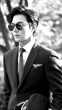 Legend of the blue sea - Lee Min Ho Jung So Min, Asian Actors, Korean Actors, Lee Min Ho Wallpaper Iphone, Le Min Hoo, Lee Min Ho Smile, Legend Of Blue Sea, Lee Min Ho Kdrama, Lee Min Ho Photos